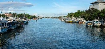 Barcos de pesca no cais principal em Colombo, Sri Lanka Imagens de Stock Royalty Free