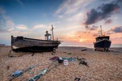 Barcos de pesca no nascer do sol Fotos de Stock Royalty Free