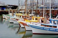 Barcos de pesca no pescador Wharf San Francisco imagens de stock royalty free