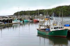 Barcos de pesca no porto da possibilidade, Novo Brunswick Imagens de Stock