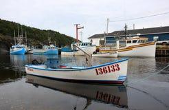 Barcos de pesca no rio da truta Foto de Stock