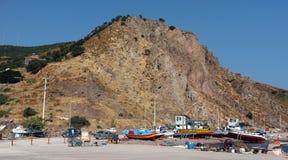 Barcos de pesca pela montanha Fotos de Stock
