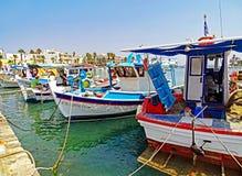 Barcos de pesca pequenos no porto de Kos em Grécia Imagens de Stock Royalty Free