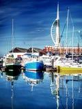 Barcos de pesca portsmouth das docas da curvatura Imagens de Stock