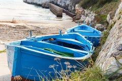 Barcos de pesca velhos fotos de stock