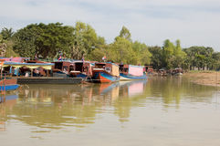 Barcos de placer, lago sap de Tonle, Camboya Fotografía de archivo libre de regalías