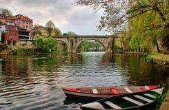 Barcos de río en Amarante Fotos de archivo libres de regalías