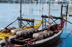 Barcos de Rabelo no rio de Douro Porto, Portugal Fotos de Stock Royalty Free