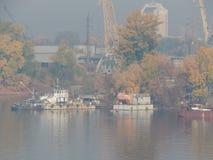 Barcos de rio nos detalhes e nos elementos fotos de stock