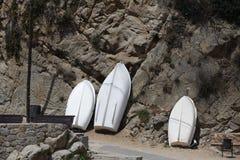 Barcos de rowing en la orilla Imagen de archivo libre de regalías