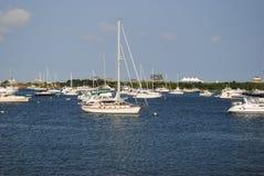 Barcos de vela en el nuevo puerto Fotografía de archivo libre de regalías