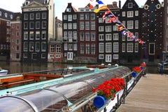 Barcos del agua en Amsterdam Imagen de archivo libre de regalías