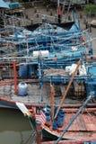 Barcos del pescador durante marea baja imágenes de archivo libres de regalías