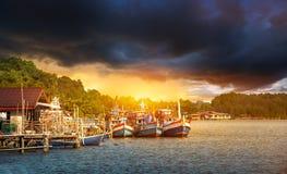 Barcos del pescador en la orilla fotos de archivo libres de regalías