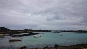 Barcos del ` s del pescador, Isla de los Lobos, Canarias imagenes de archivo