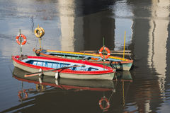 Barcos del taxi en el río de Riachuelo Imagen de archivo