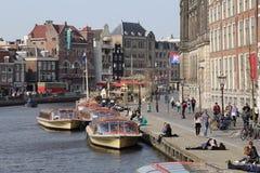 Barcos del viaje en Amsterdam Foto de archivo libre de regalías