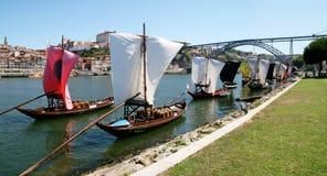 Barcos del vino en Oporto Fotos de archivo libres de regalías