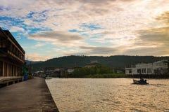 Barcos do poder que travam o caranguejo Tailândia foto de stock royalty free