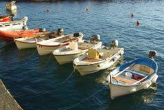 Barcos em Manarola, Italy fotografia de stock