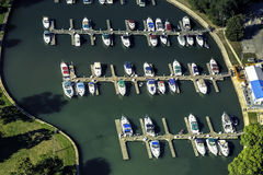 Barcos em pouco porto, vista aérea Foto de Stock Royalty Free