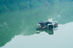 Barcos em Red River, Hanoi Vietname imagens de stock royalty free