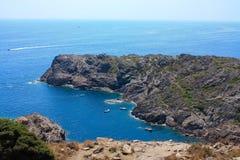 Barcos em Tampão de Creus, Girona, costela Brava, Spain imagens de stock royalty free