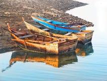 Barcos em uma costa Fotografia de Stock Royalty Free