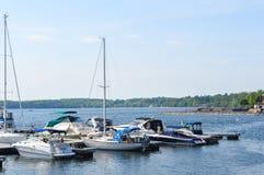 Barcos em uma doca em Burlington, Vermont, EUA Fotografia de Stock Royalty Free