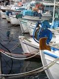Barcos em uma fileira imagens de stock