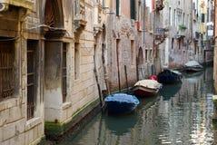 Barcos em Veneza, Italy fotografia de stock royalty free