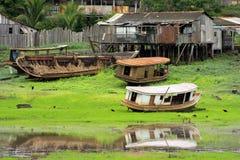 Barcos en Amazonia Fotos de archivo