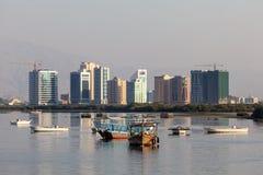 Barcos en The Creek de Ras Al Khaimah Imagen de archivo libre de regalías