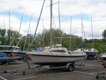 Barcos en dique seco fotos de archivo
