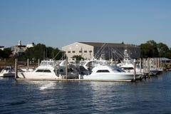 Barcos en el bacalao de cabo Foto de archivo