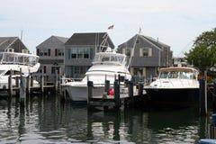 Barcos en el bacalao de cabo Imagen de archivo libre de regalías