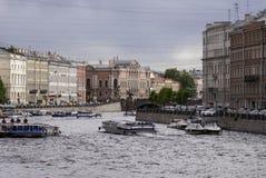 Barcos en el Fontanka Fotos de archivo
