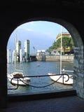 Barcos en el lago Como foto de archivo libre de regalías