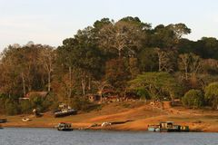 Barcos en el lago del bosque, Periyar imagen de archivo libre de regalías