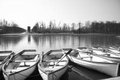 Barcos en el lago del palacio de Versalles, Francia Foto de archivo