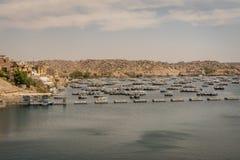 Barcos en el lago Nasser Egipto foto de archivo