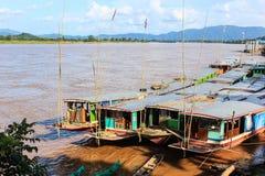 Barcos en el lao del río Mekong Imágenes de archivo libres de regalías