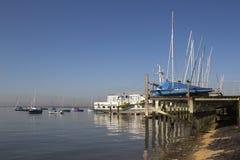 Barcos en el Leigh-en-Mar, Essex, Inglaterra Imagen de archivo libre de regalías