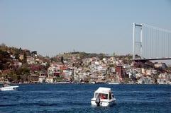 Barcos en el mar de Bosporus fotografía de archivo