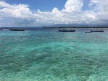 Barcos en el mar hermoso en Lombok, Indonesia Foto de archivo