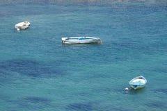 Barcos en el mar Mediterráneo Imagen de archivo libre de regalías