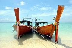 Barcos en el océano Foto de archivo libre de regalías