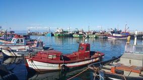 Barcos en el puerto Imágenes de archivo libres de regalías
