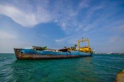 Barcos en el puerto de los dos puntos en Panamá Imagen de archivo