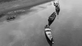 Barcos en el río Imágenes de archivo libres de regalías